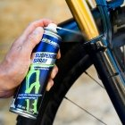 Holmenkol Suspension Spray cleaning and protection spray